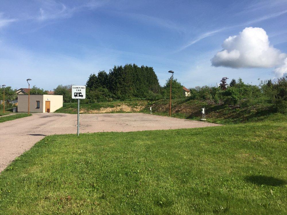 Aire camping-car à Xertigny (88220) - Photo 2